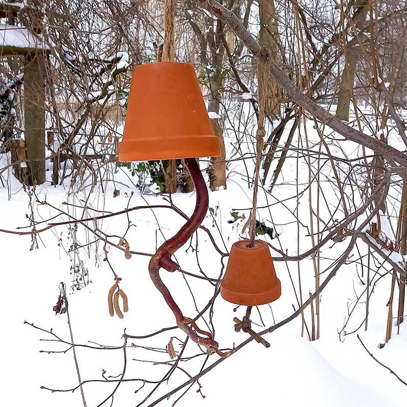 Futterglocken und Apfelsterne für unsere Vögel